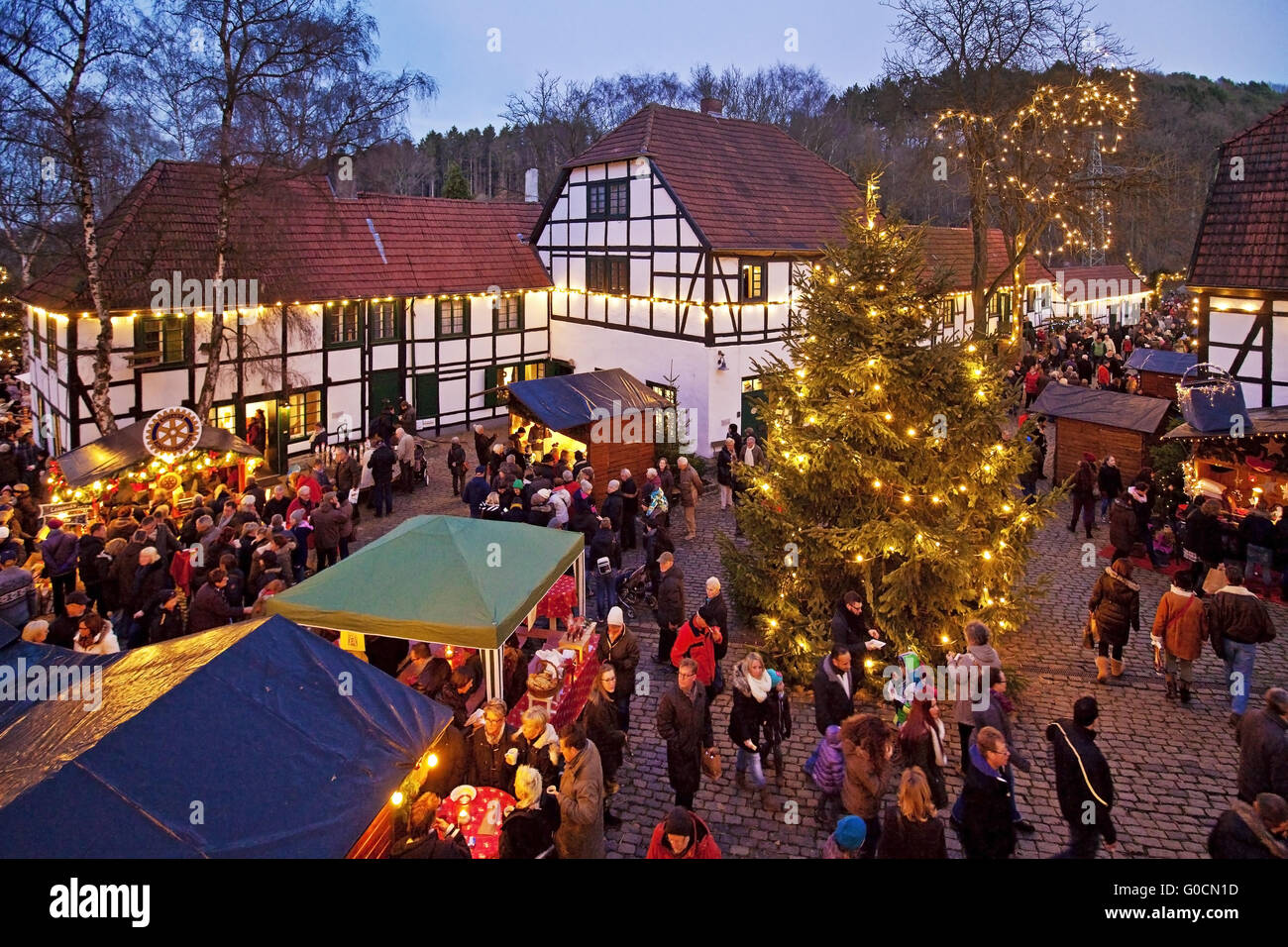 Iserlohn Weihnachtsmarkt.Christmas Market At Maste Barendorf Iserlohn Stock Photo 103542137