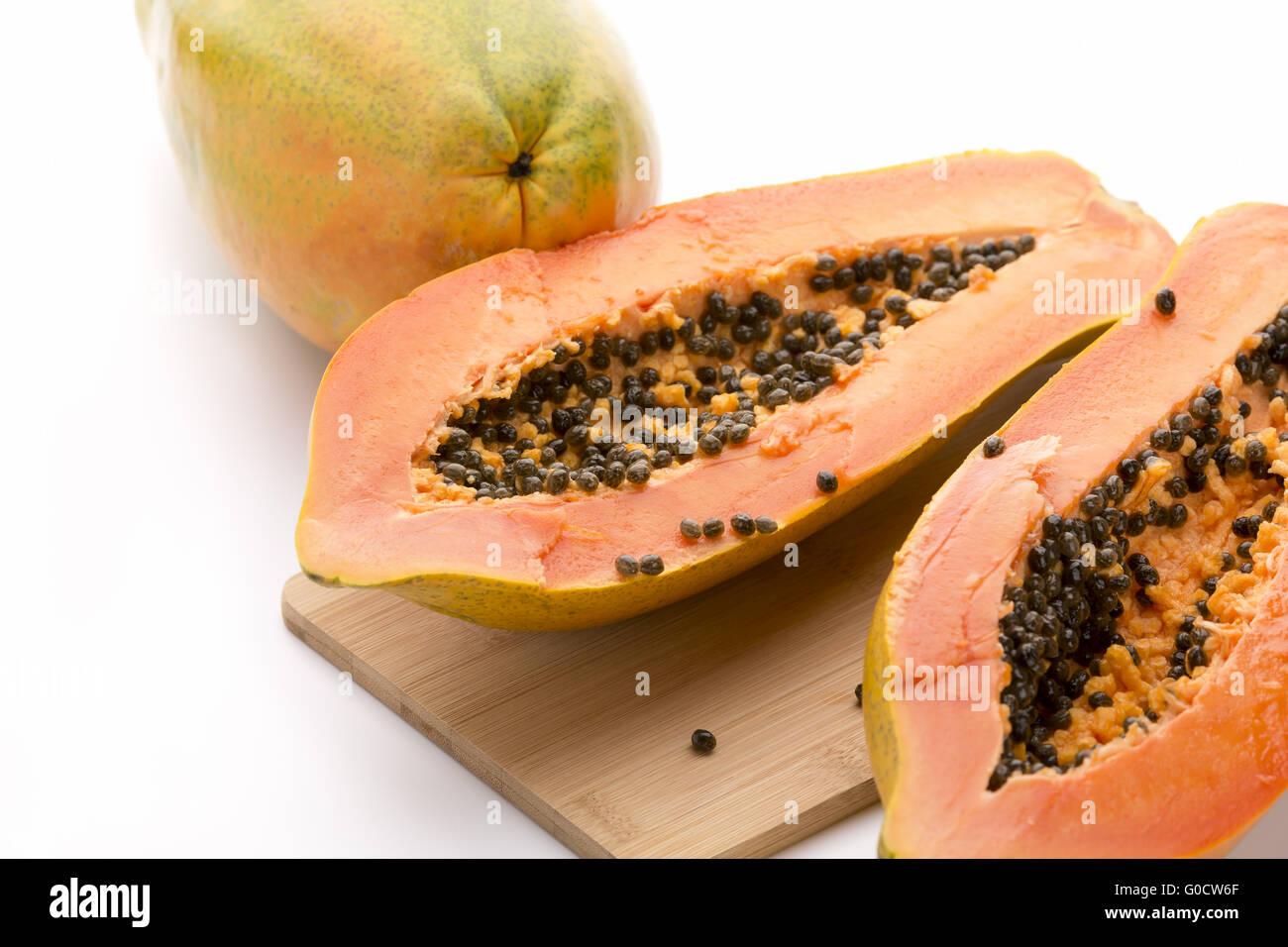 how to cut a papaya