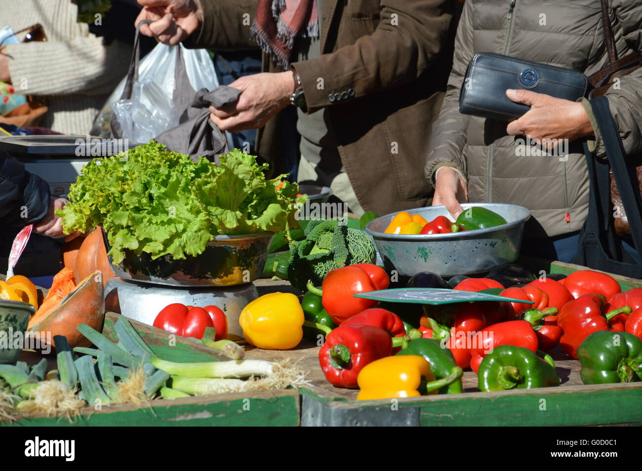 Purchase at the weekly market - Stock Image