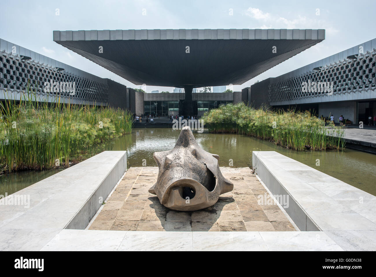 MEXICO CITY, MEXICO--A large concrete umbrella covers part of the central courtyard of the National Museum of Anthropology - Stock Image