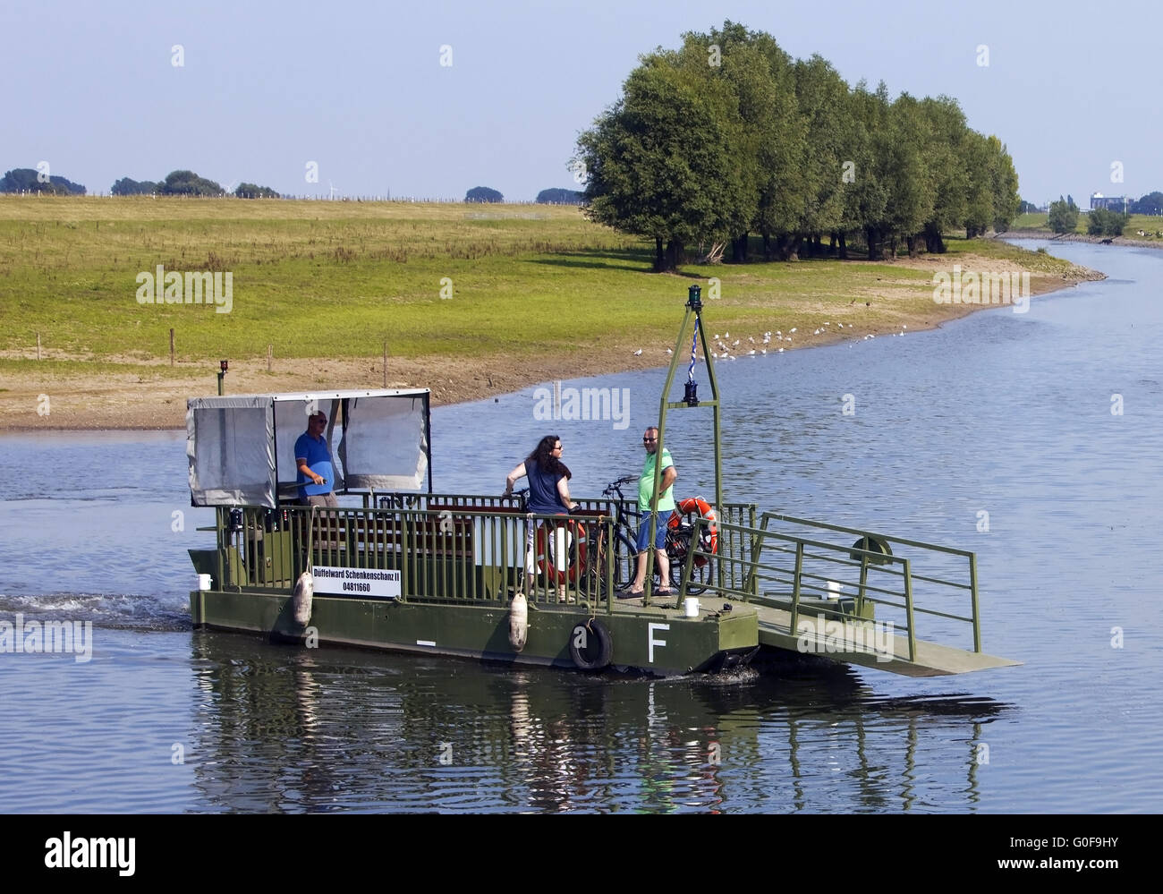 Bicycle ferry on the Old Rhine, Dueffelward, Kleve - Stock Image