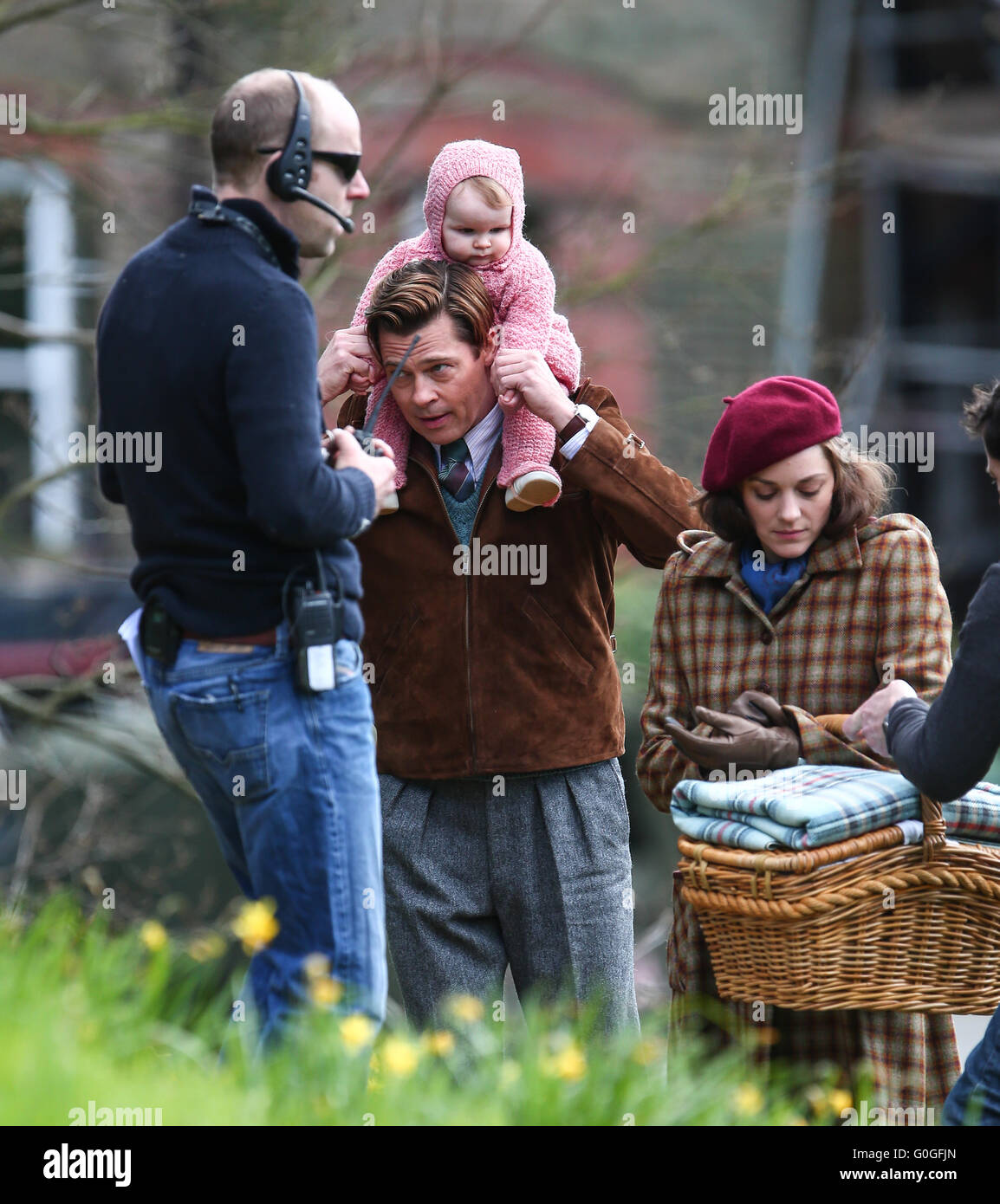 Brad Pitt And Marion Cotillard Films A Scene For The Movie Five