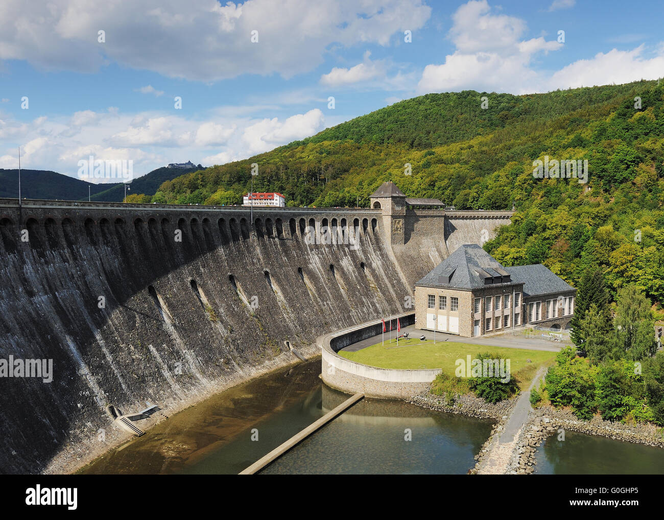 Edersee with hydroelectric power plant and castle waldeck - Stock Image