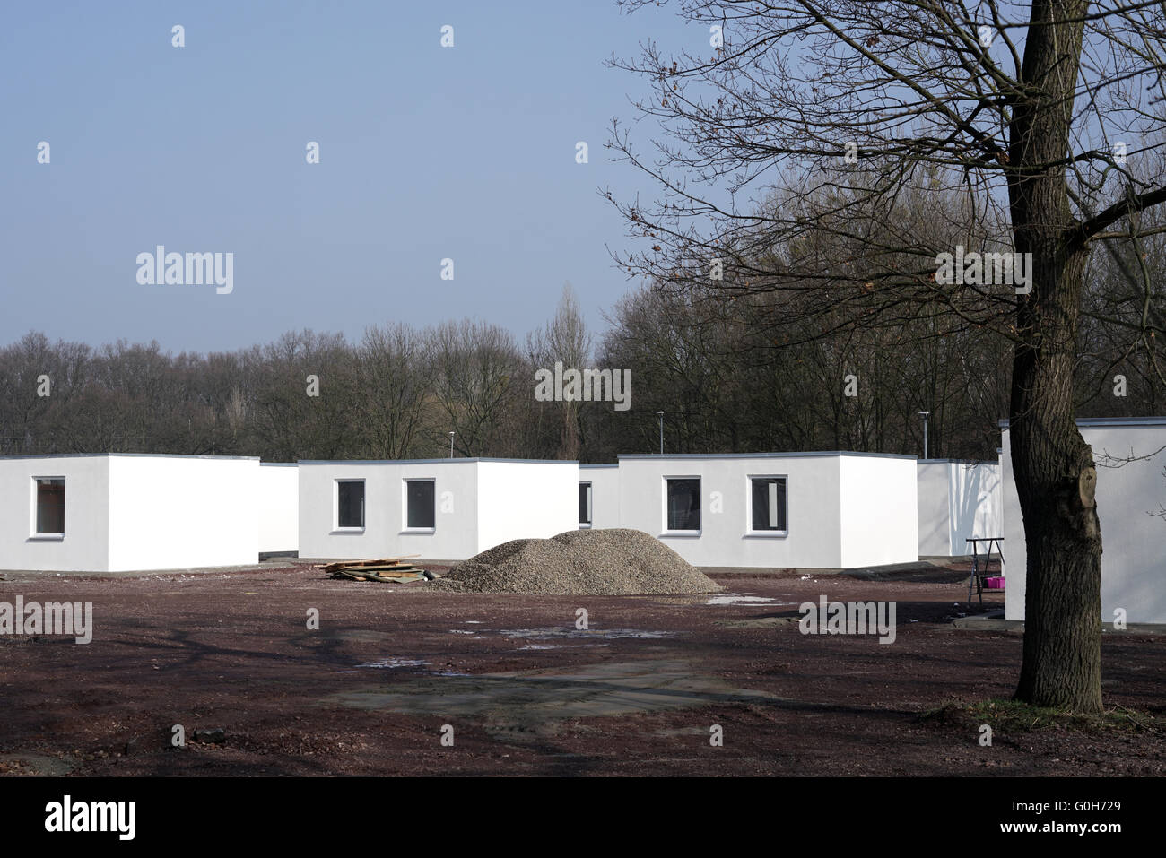 newly constructed refugee shelters on the outskirts of Magdeburg in Germany - Stock Image