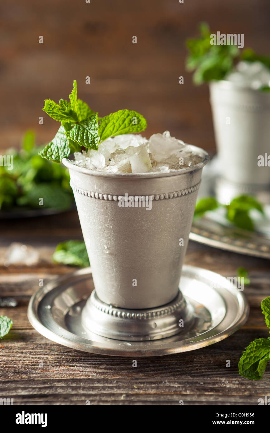 Cold Refreshing Classic Mint Julep with Mint and Bourbon - Stock Image