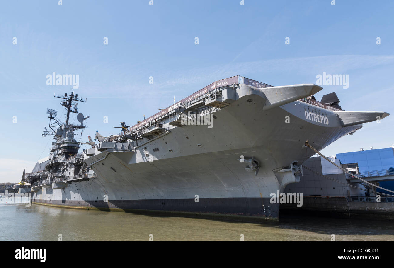 USS Intrepid aircraft carrier ship docked in Manhattan as the Intrepid Sea Air and Space Museum - Stock Image