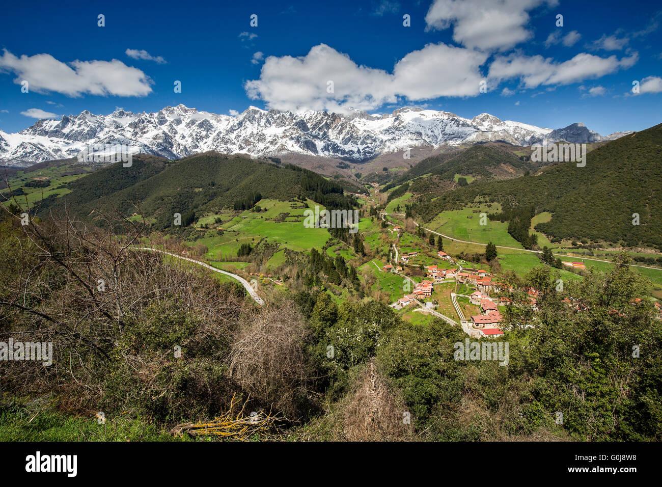 Turieno village. Liébana region, Picos de Europa, Cantabria  Spain, Europe - Stock Image