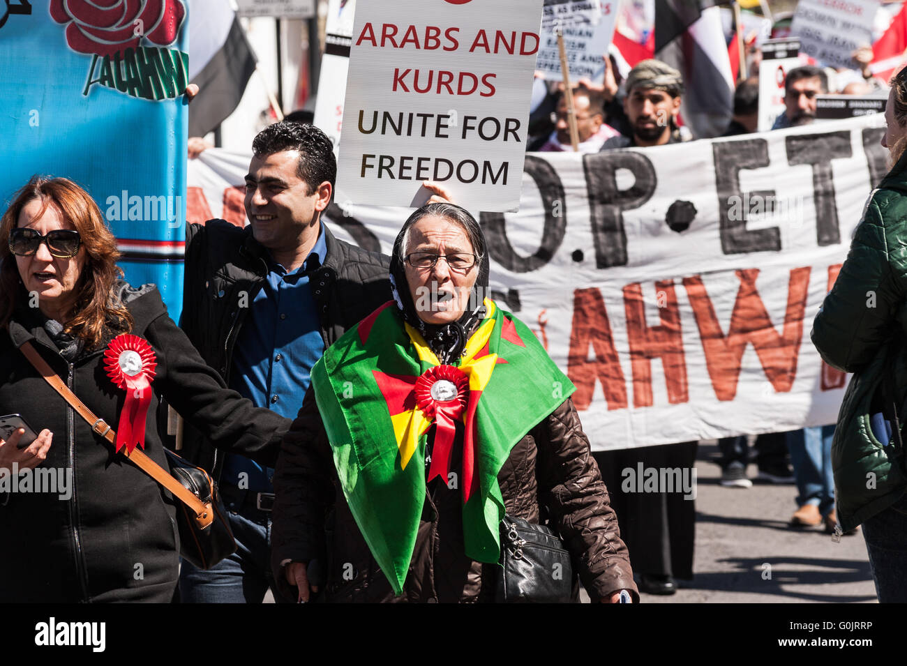 London, UK. 1st May 2016. Workers and trade unions' activists from Britain and around the world marched across - Stock Image