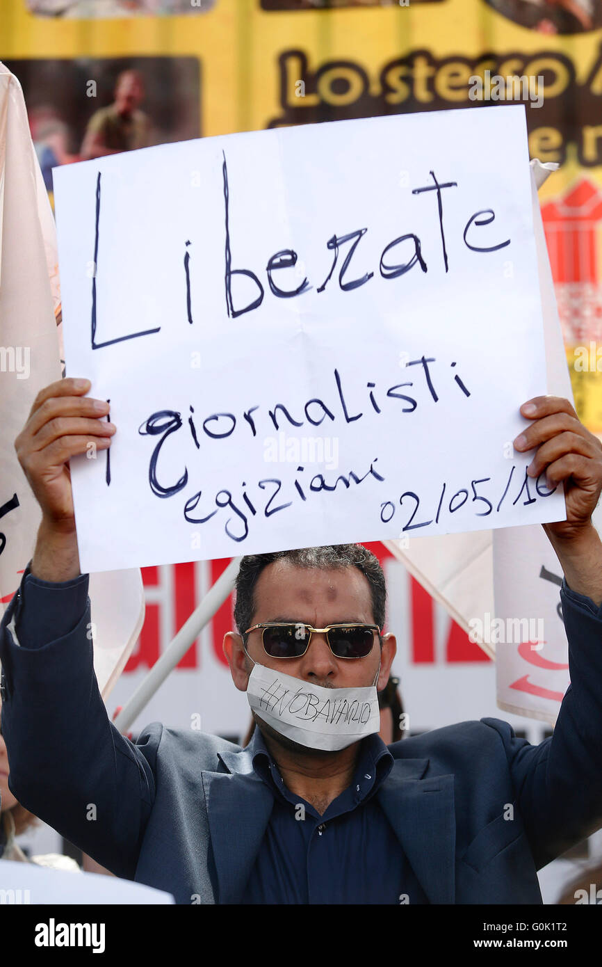 Rome, Italy. 2nd May, 2016. Banner, freedom for Egyptian journalists Rome 02nd May 2016. Marathon of sit-ins in - Stock Image