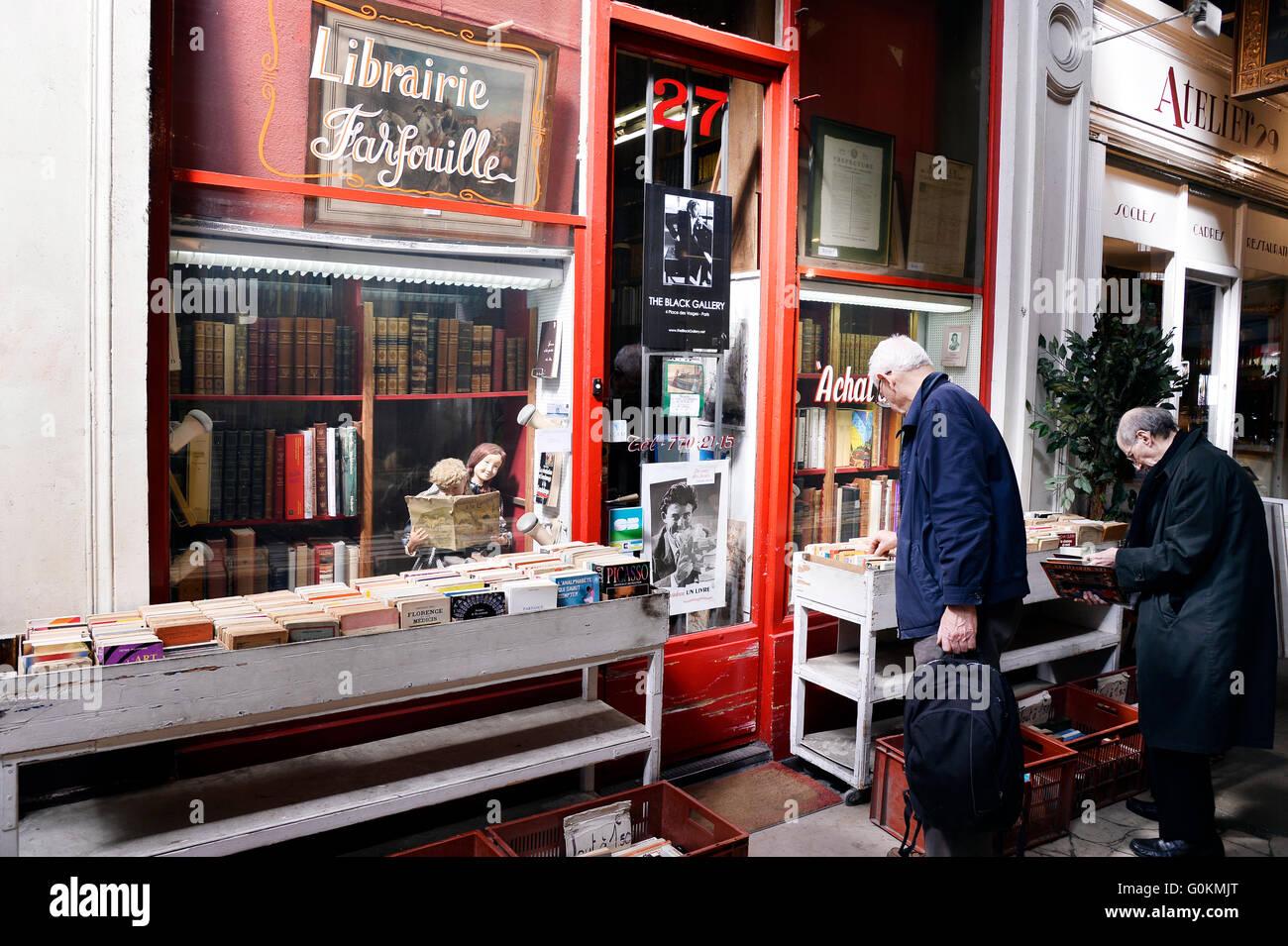 Bookstore in paris, france - Stock Image