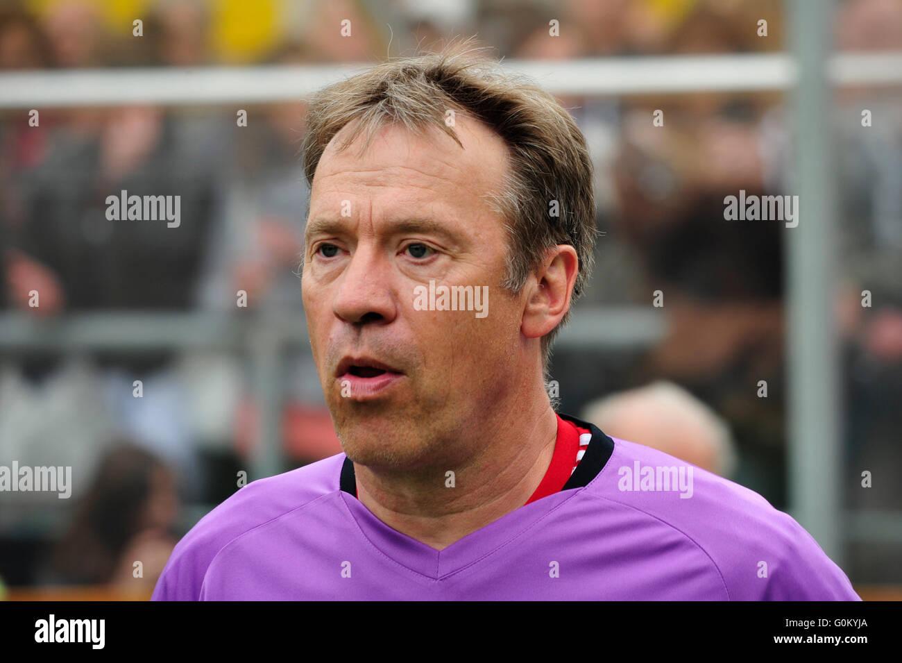 DEU, Deutschland, Hamburg, 03.06.2012, Benefiz-Fußballspiel 'Kicken mit Herz' im Stadion des SC Victoria: - Stock Image