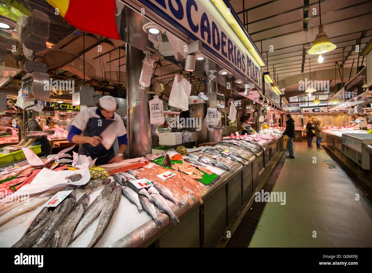 La esperanza fish market fish stall santander cantabria for La fish market
