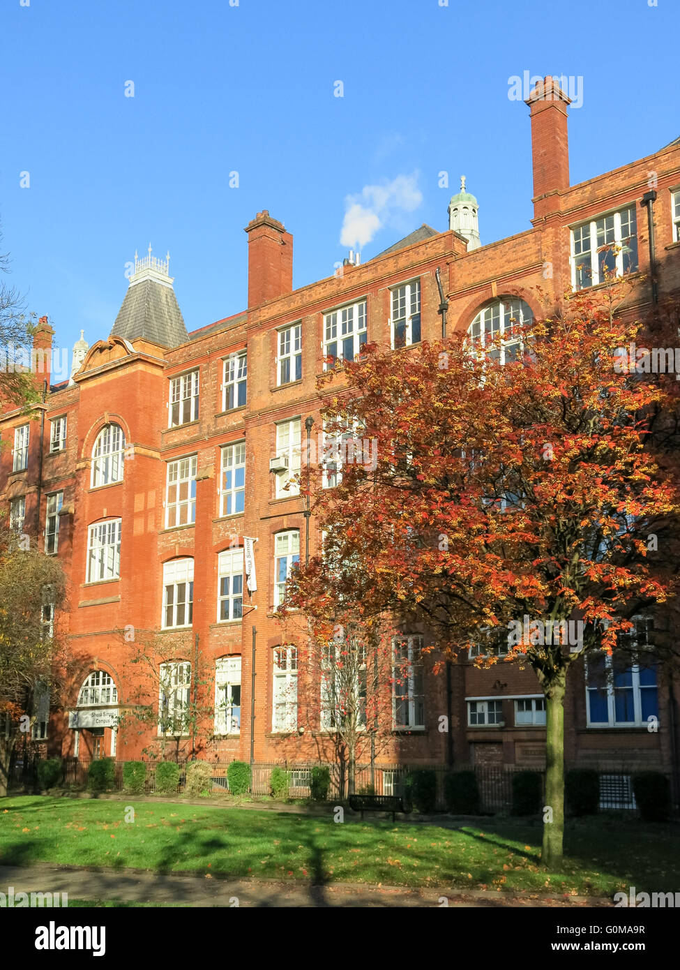 Autumn in Sackville Gardens in the city of Manchester, Cheshire, England, UK - Stock Image