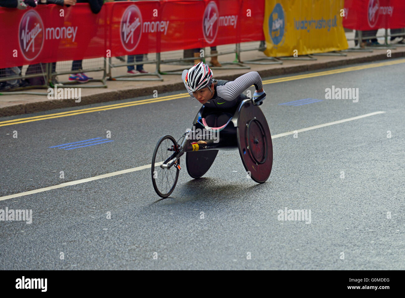 Wheelchair competitor, 2016 Virgin Money London Marathon, London, United Kingdom Stock Photo