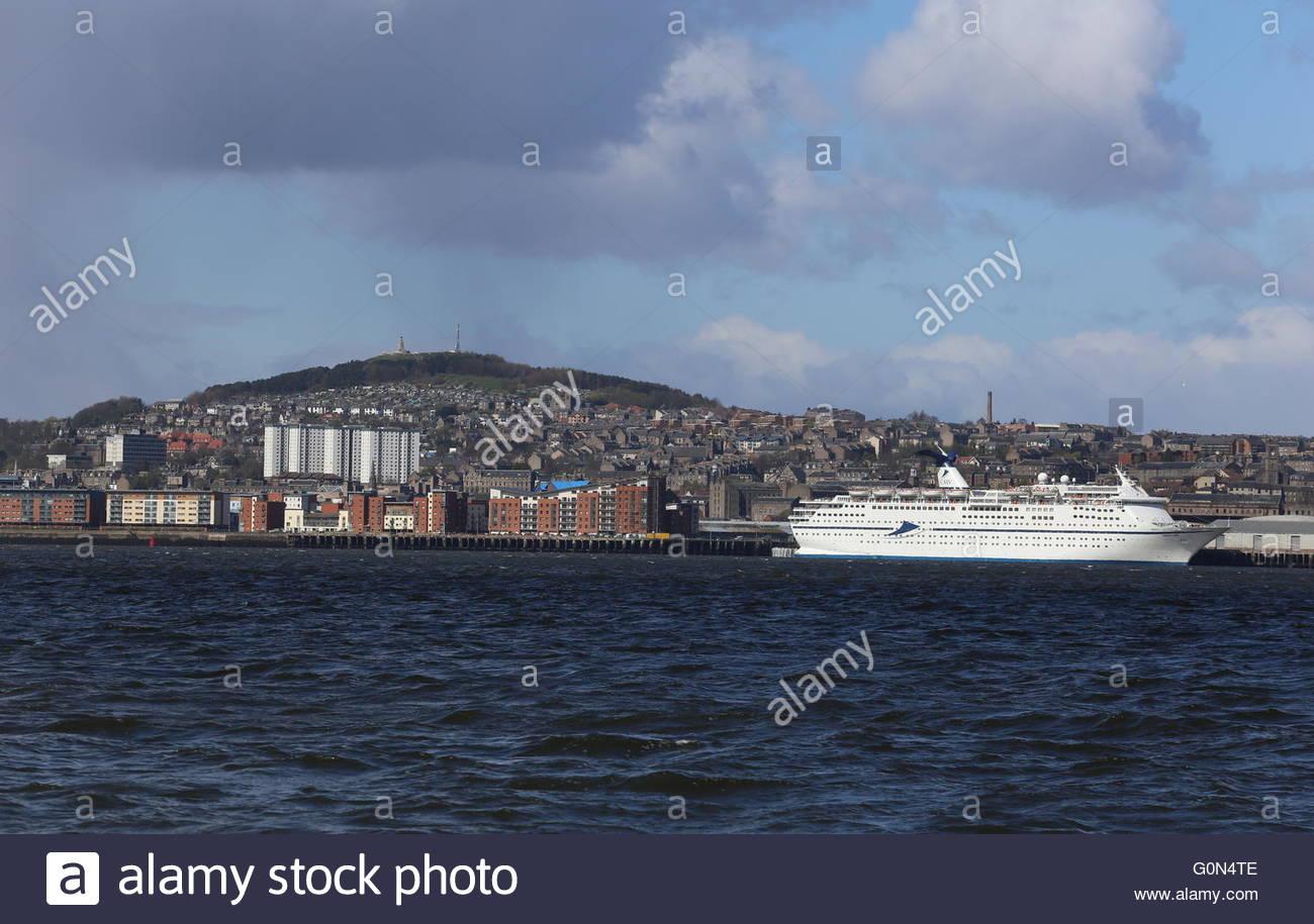 CMV cruise ship Magellan Dundee Scotland  25th April 2016 - Stock Image