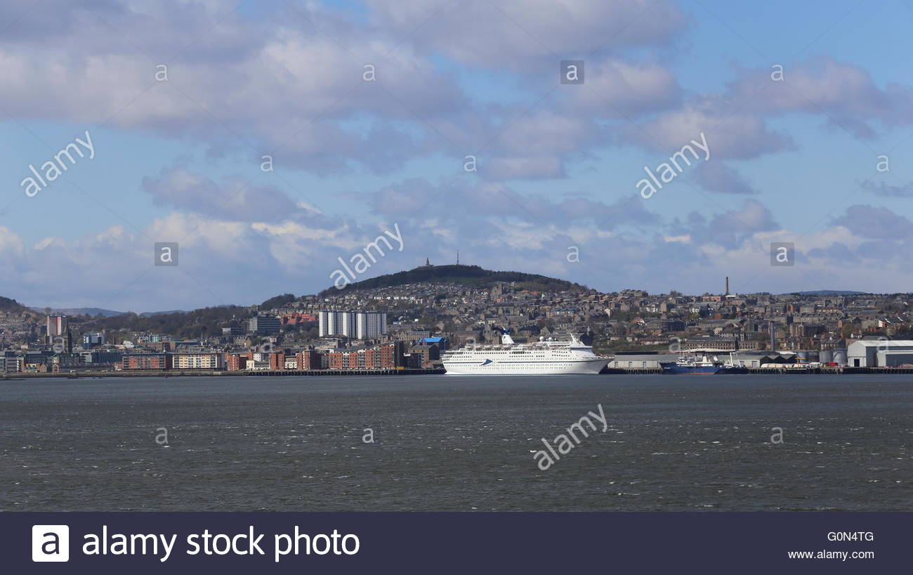 CMV cruise ship Magellan Dundee Scotland  25th April 2016 Stock Photo