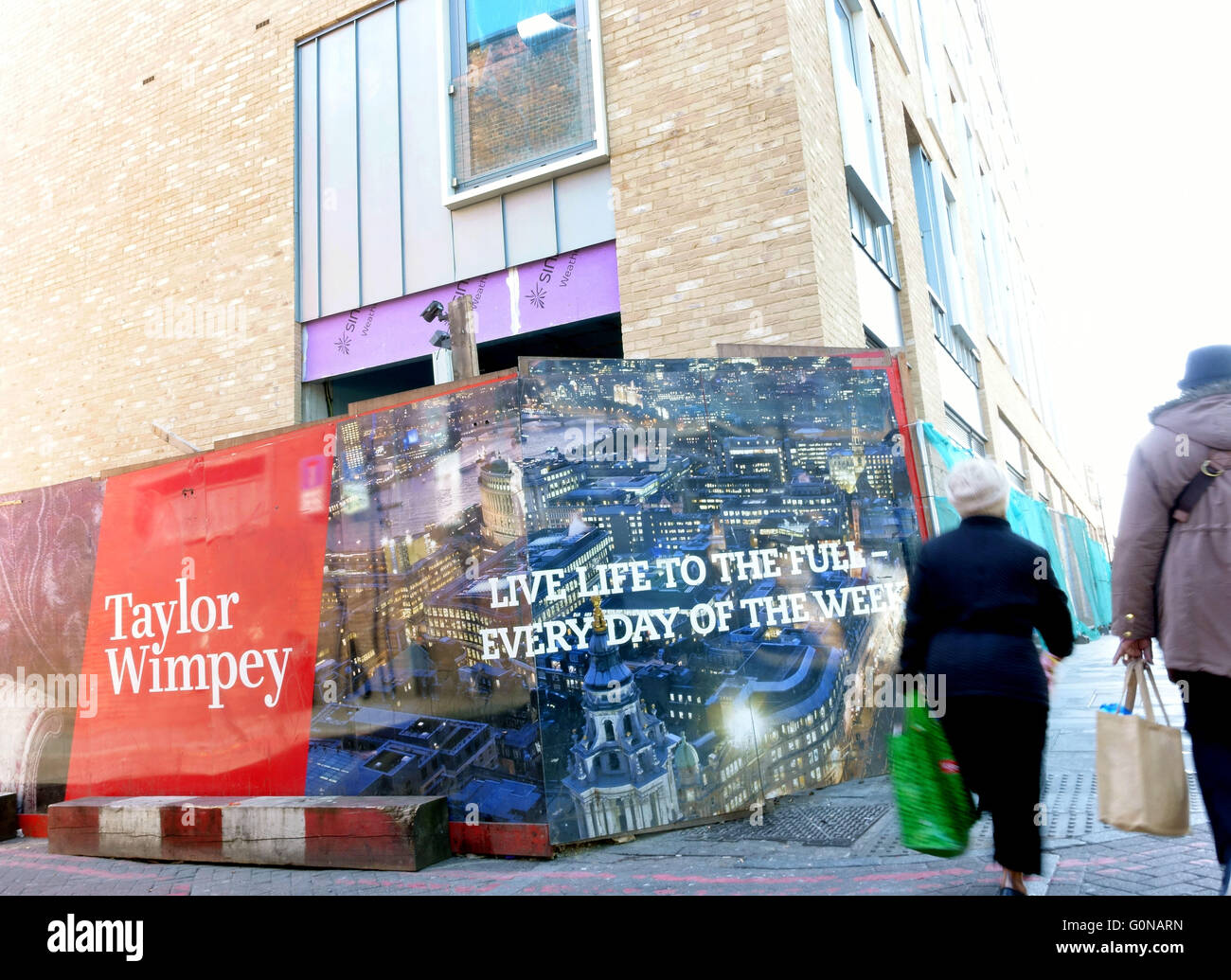 Gentrification in Dalston, East London - new development by Taylor Wimpy in Kingsland High Street - Stock Image