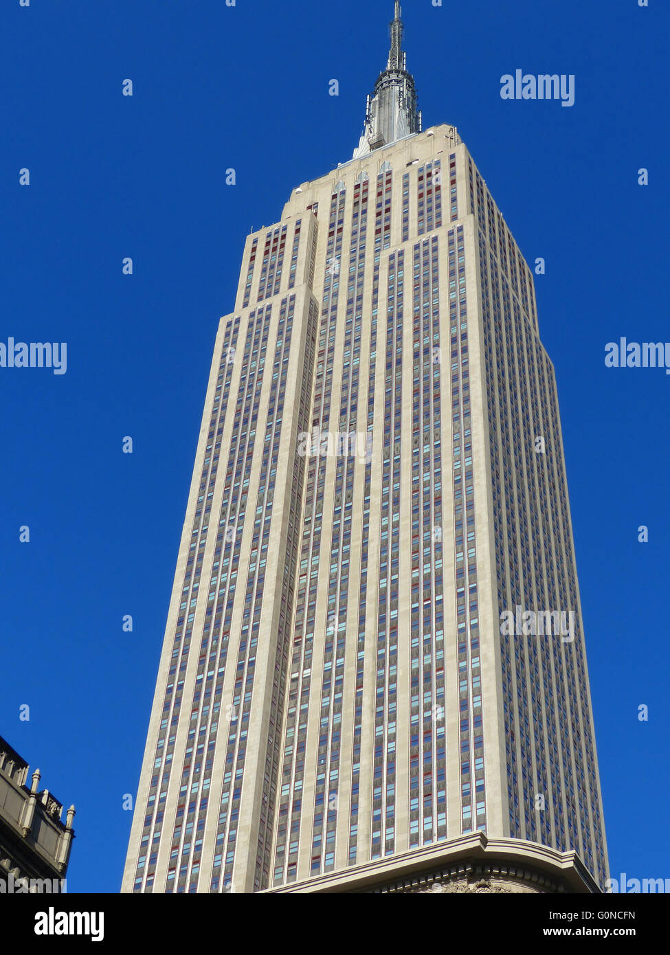 new york city empire state building completed in 1931 in art deco