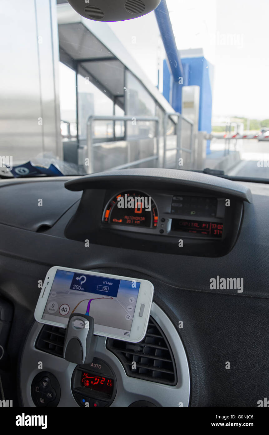 Dashboard sat nav car interior sat nav stock photos dashboard sat do it yourself navigation system with the mobile phone stock image solutioingenieria Gallery