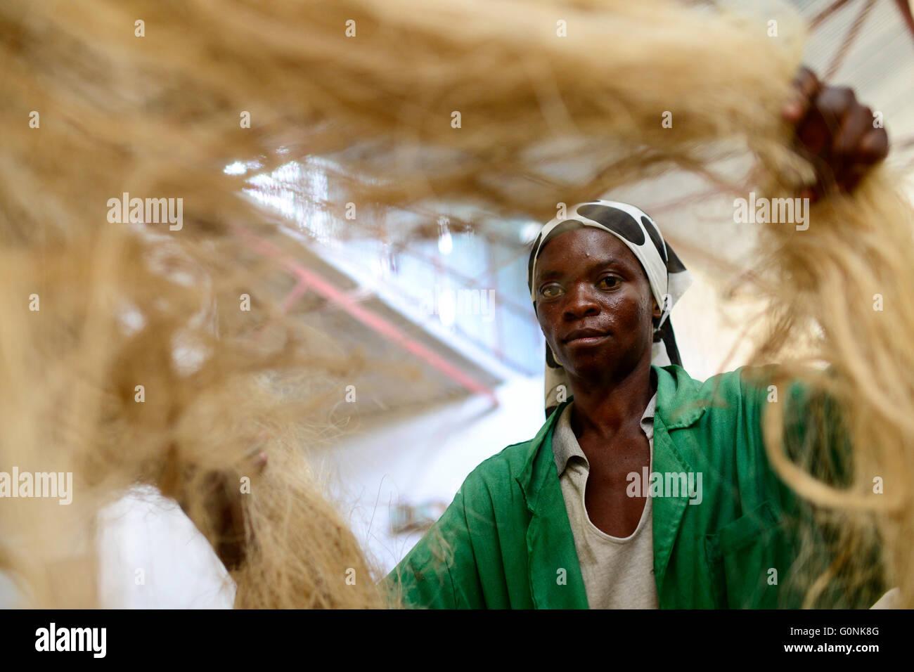 TANZANIA Tanga, Sisal industry, D.D. Ruhinda & Company Ltd., spining mill / TANSANIA Tanga, Sisal Industrie, D.D. Stock Photo