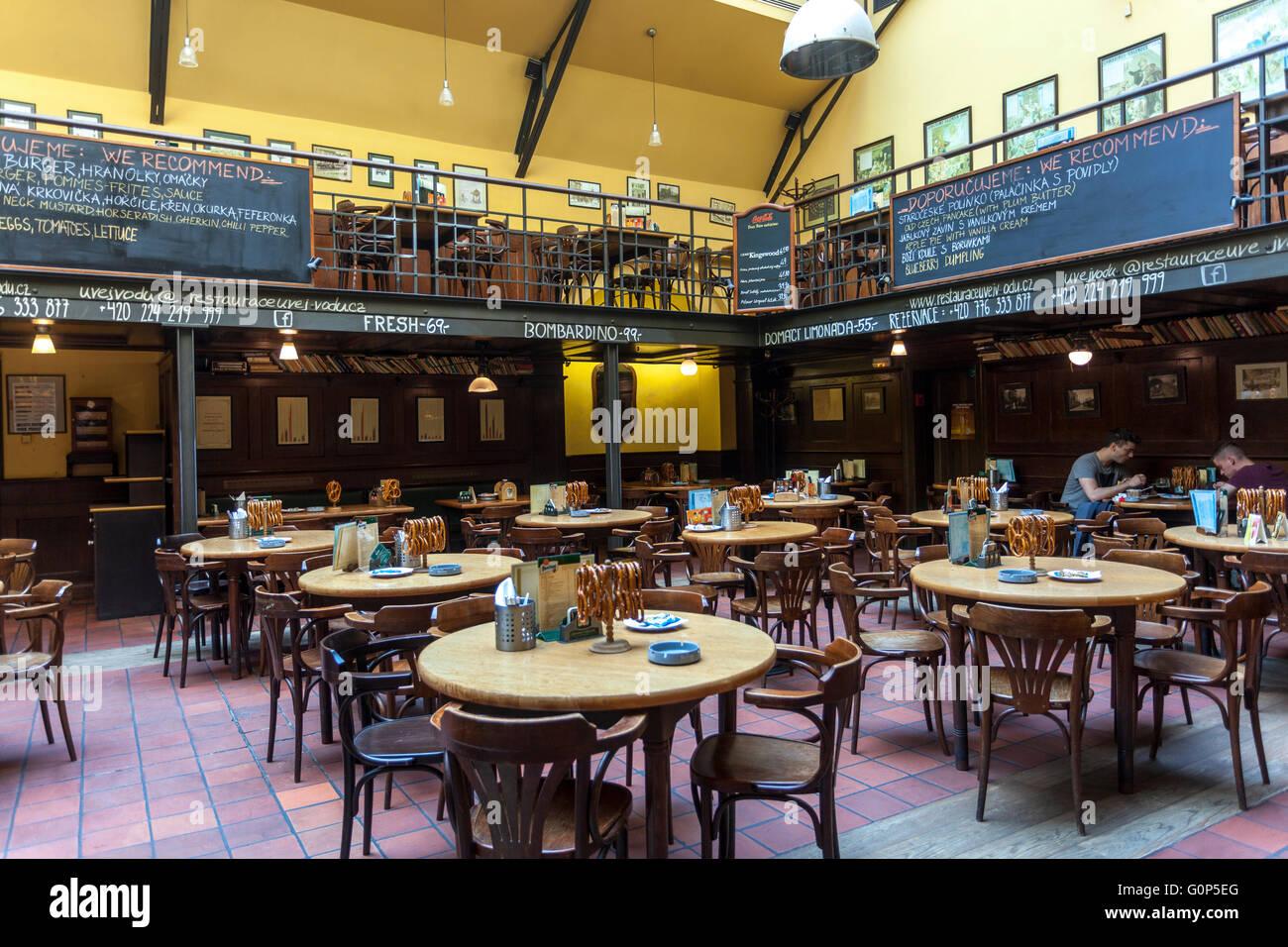 Old Pub Interior Stock Photos & Old Pub Interior Stock ...