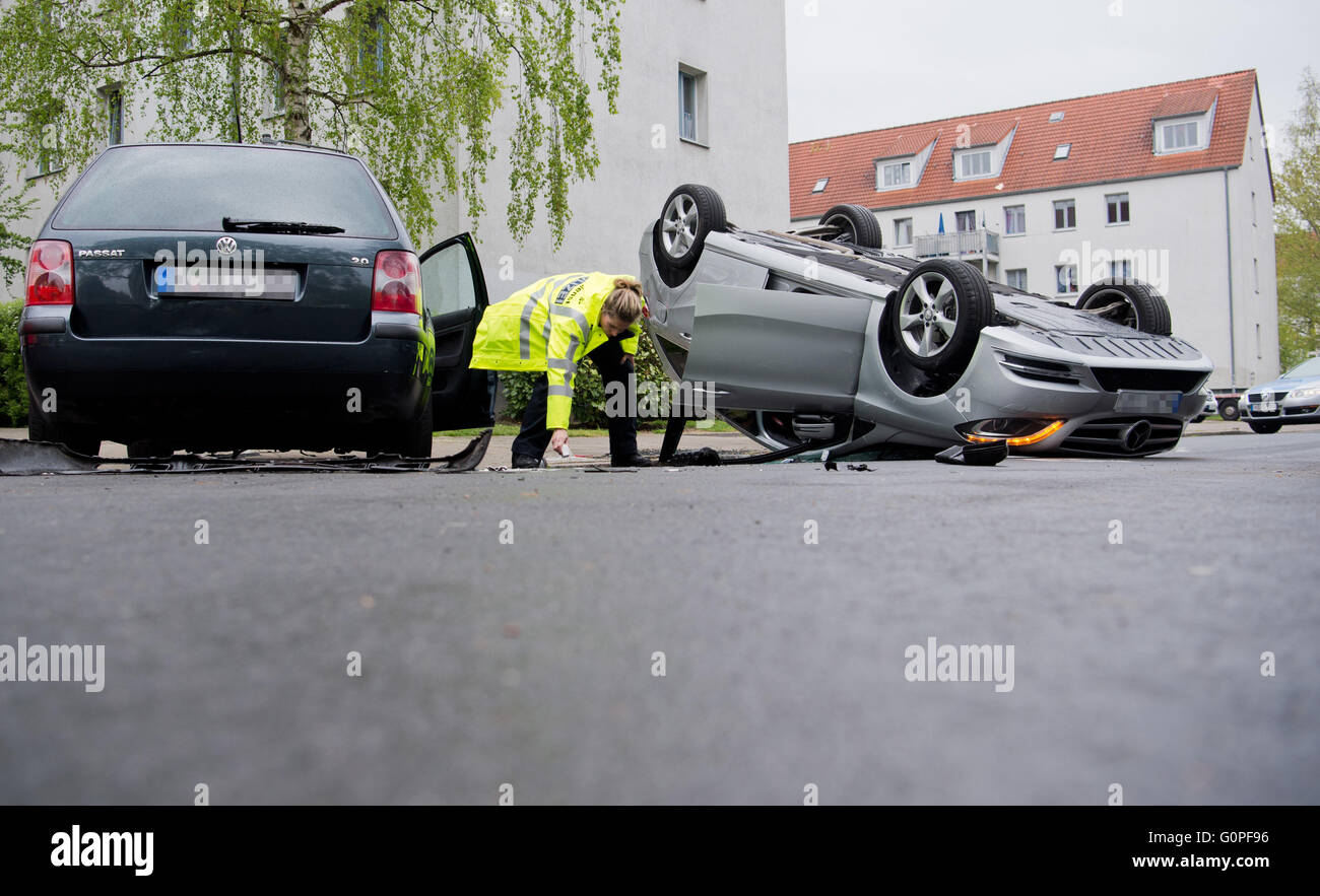 Car Upside Down After Accident Stock Photos Amp Car Upside