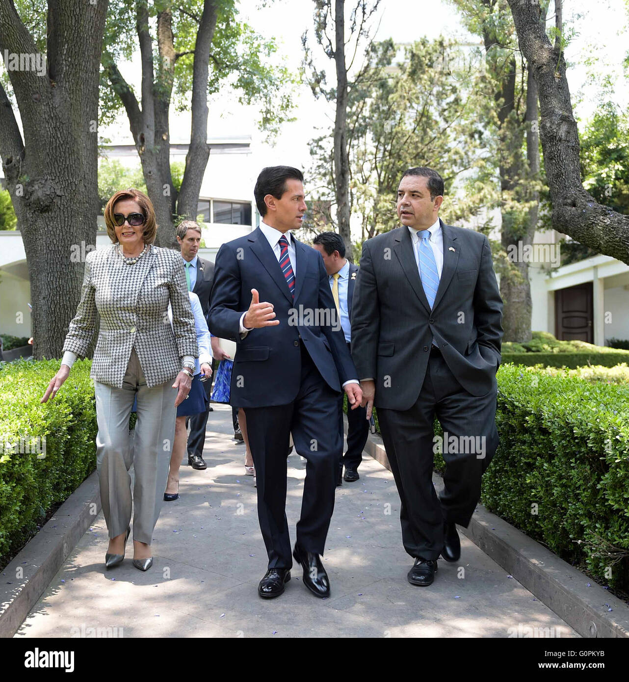 Mexico City, Mexico. 3rd May 2016. Mexican President Enrique Pena Nieto walks with U.S House Minority leader Nancy Stock Photo