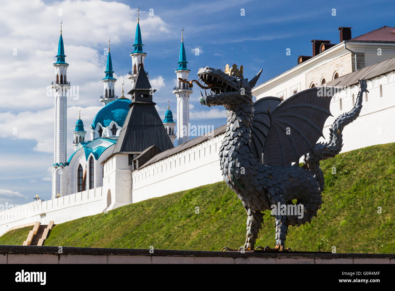 Dragon and Qol Sharif Mosque, Kazan, Russia - Stock Image