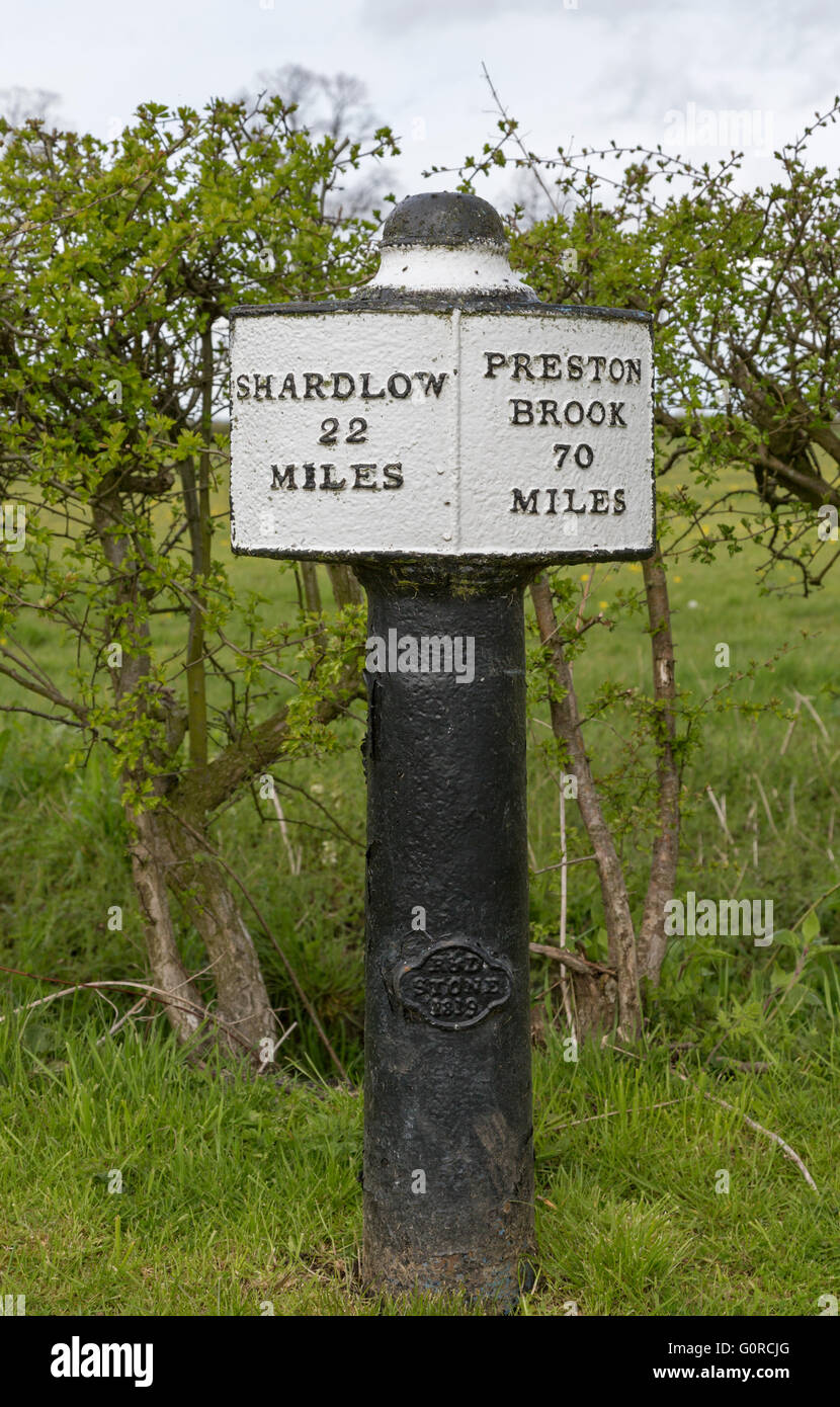 Milepost, Trent and Mersey Canal near Wychnor showing the miles to Preston Brook and Shardlow, Staffordshire, England, - Stock Image