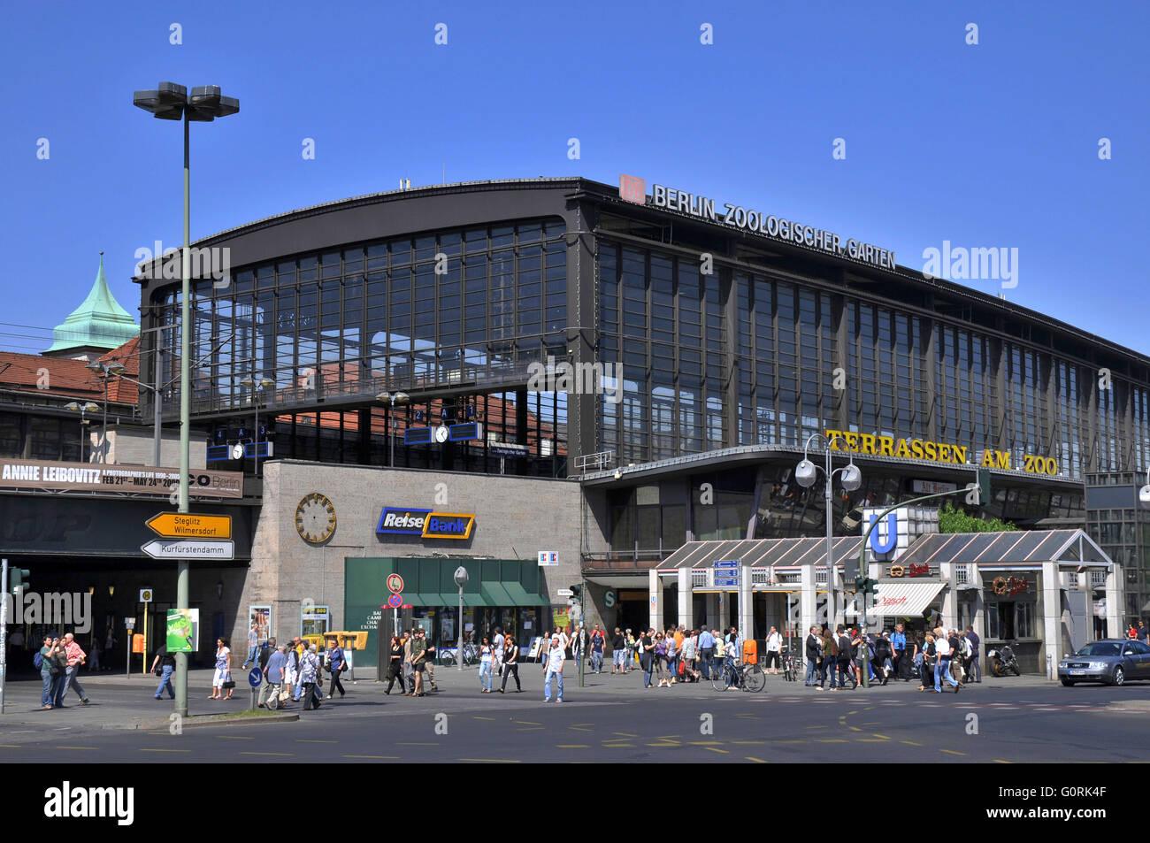 Bahnhof Zoo Berlin Zoologischer Garten Railway Station Stock Photo