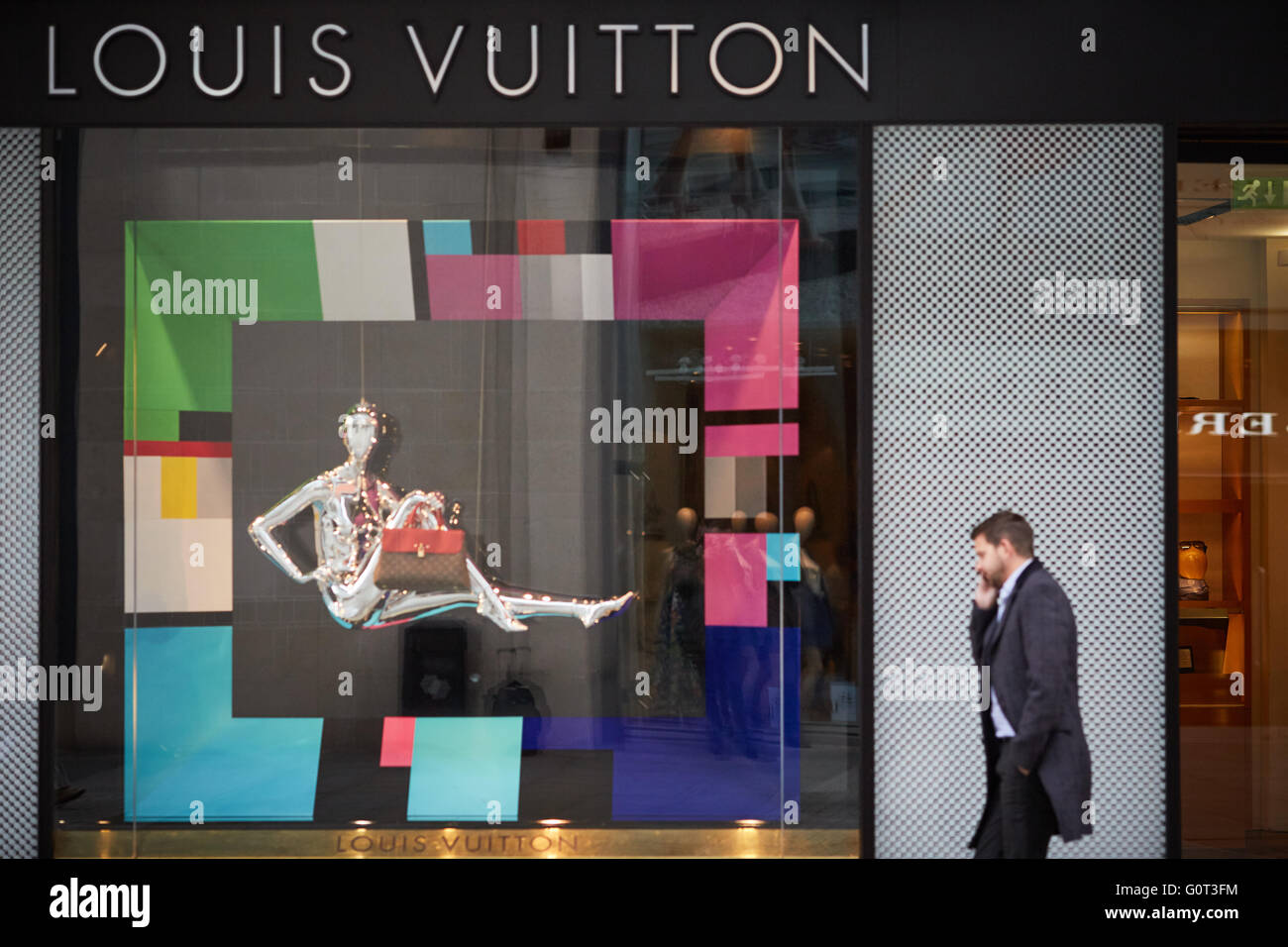 Manchester cathedral walk Louis Vuitton store exterior Quality deluxe luxury posh well hi-class rich cut above money Stock Photo