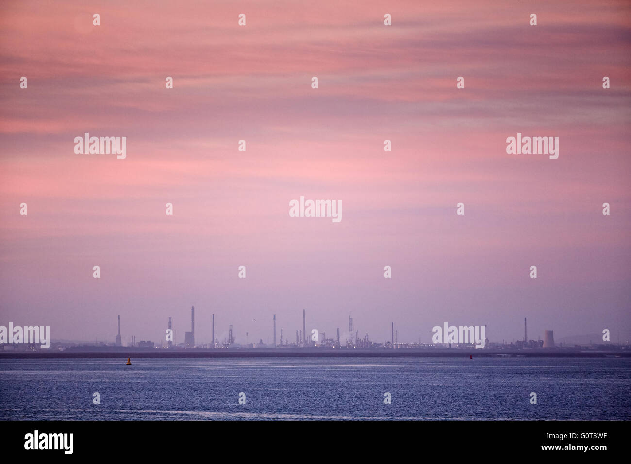 ICI Stanâow on the River Mersey - Stock Image