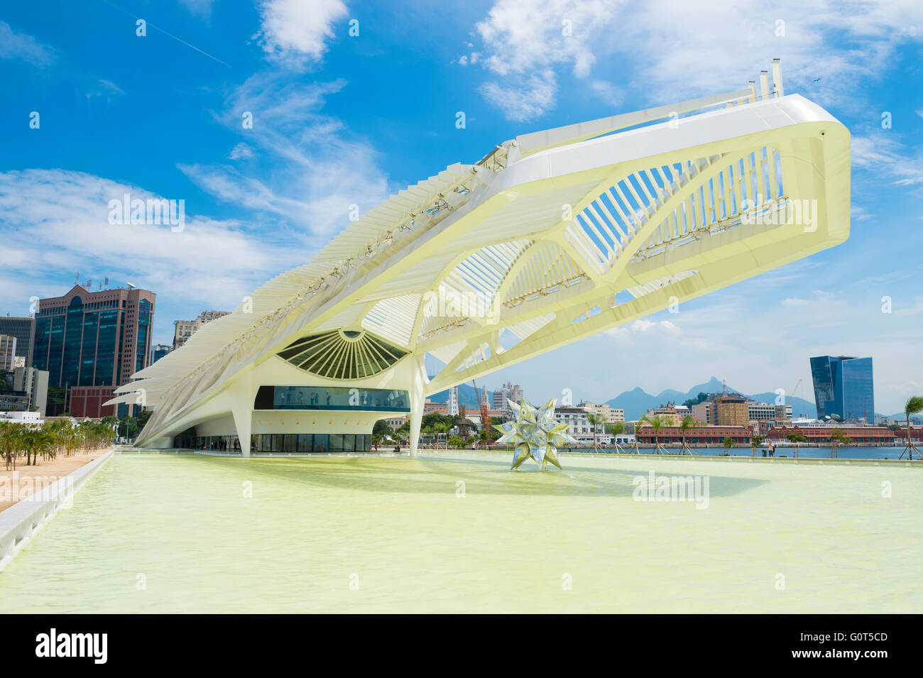 RIO DE JANEIRO - FEBRUARY 25, 2016: The distinctive neofuturist profile of the Museu do Amanhã (Museum of Tomorrow). - Stock Image