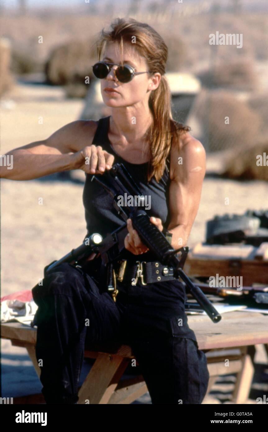 Linda Hamilton / Terminator 2 : Judgment Day / 1991 directed by James Cameron (Carolco Pïctures) - Stock Image