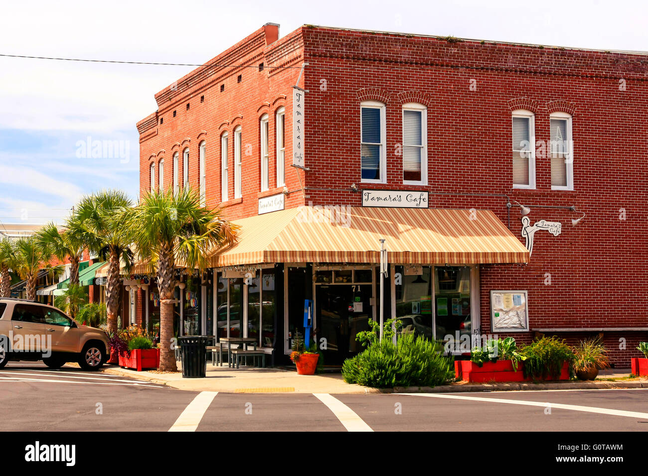 Tamara's Cafe in downtown Apalachicola city on the Florida panhandle. - Stock Image
