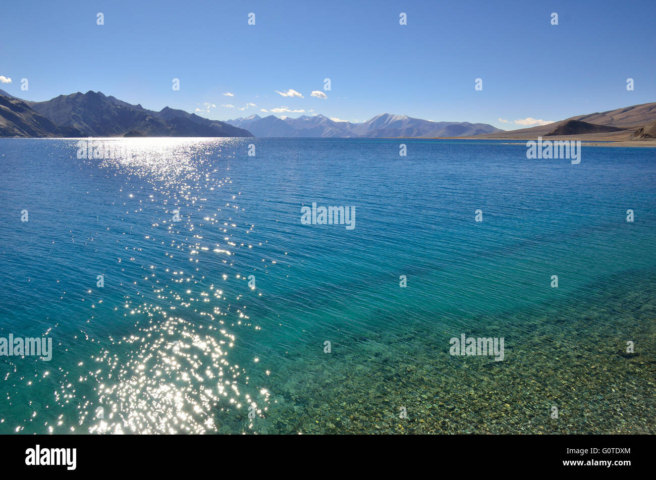 Pangong Tso, a high altitude lake at 14,270 feet, in Ladakh, Jammu and Kashmir, India Stock Photo