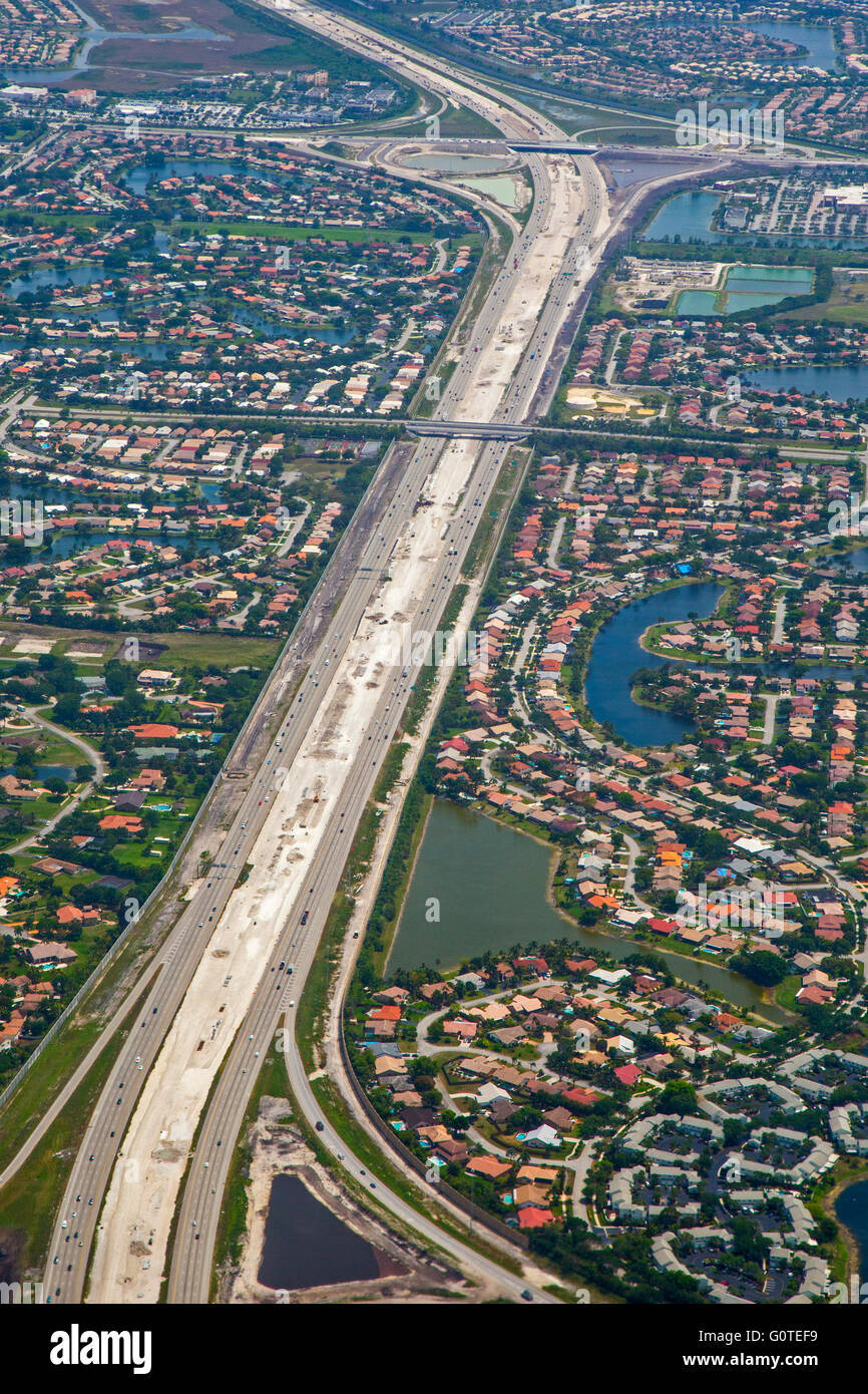 Fort Lauderdale, Florida - Interstate 75 in the suburbs west of Fort Lauderdale. The highway is under construction. - Stock Image