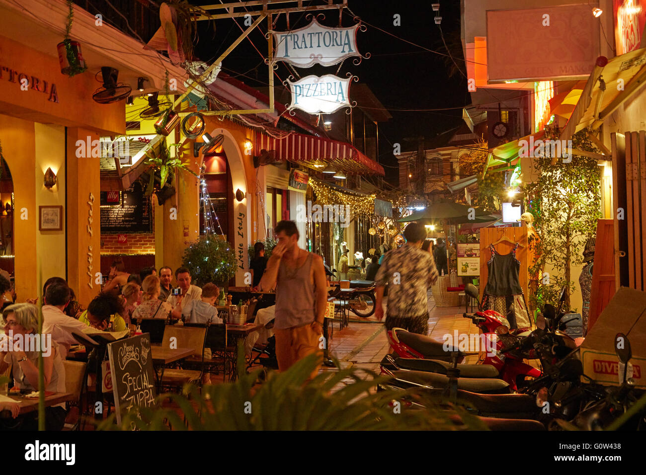 Pubs and restaurants on Alley West, Siem Reap, Cambodia - Stock Image