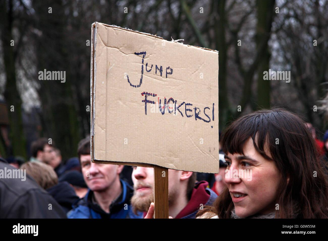 'Jump Fuckers!' - Impressionen von der Demonstration 'Wir zahlen nicht fuer Eure Krise', 28. Maerz - Stock Image