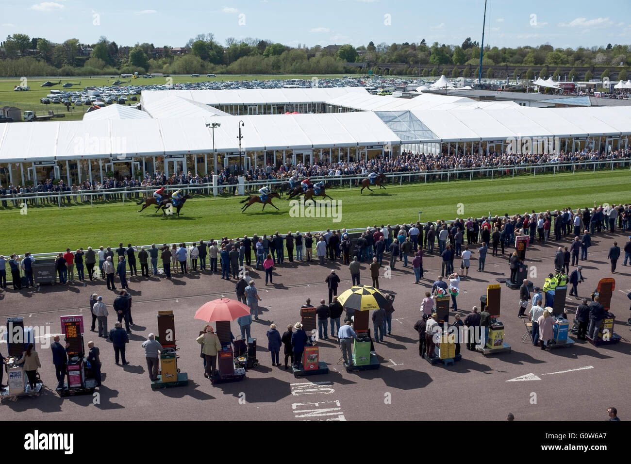 Chester, UK. 4th May, 2016. Chester Races. The first race of the first meeting of the 2016 season at Chester Race - Stock Image