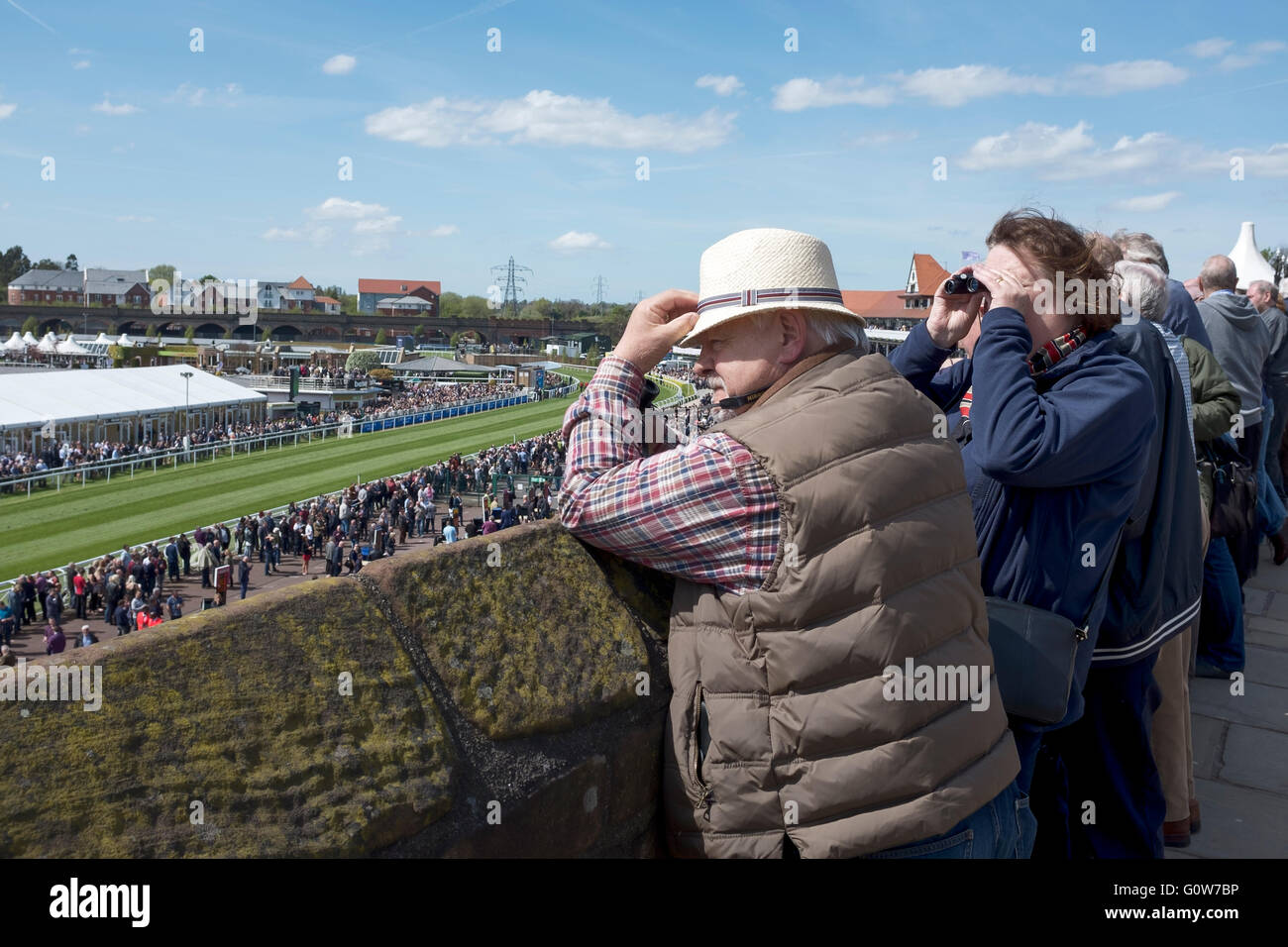 Chester, UK. 4th May, 2016. Chester Races. The first race meeting of the 2016 season at Chester Race Course with - Stock Image