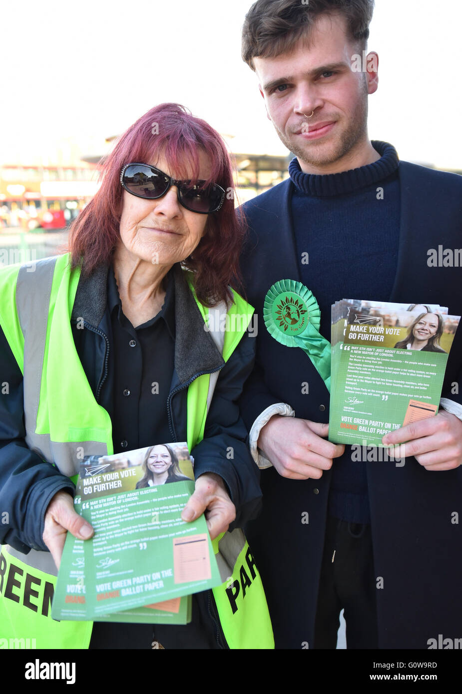 Turnpike Lane, London, UK. 4th May 2016. London Mayoral elections: Green Party activists hand out leaflets - Stock Image