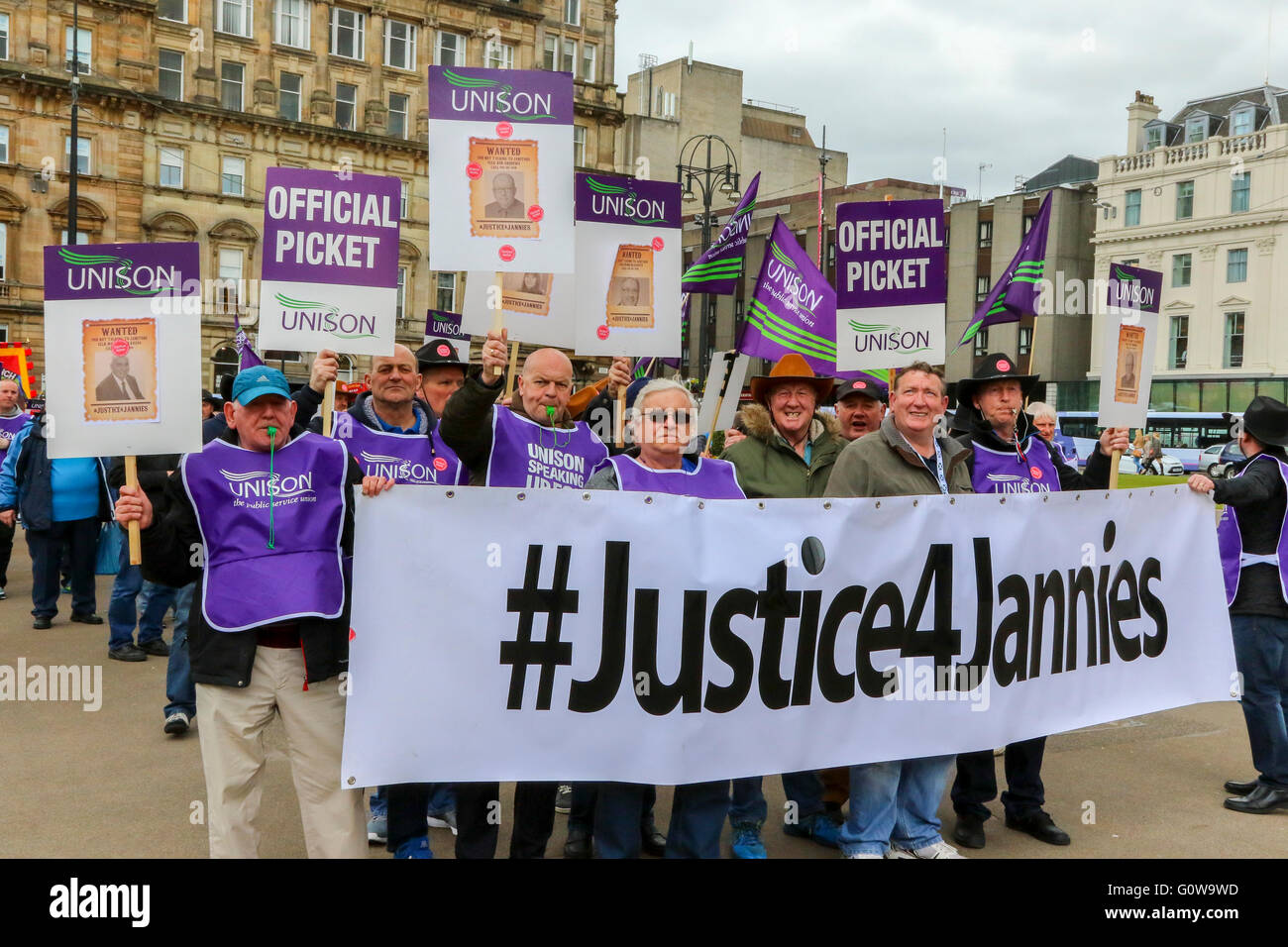 Glasgow, Scotland, UK. 4th May, 2016. Glasgow School Janitors (Jannies) took industrial action for the third time - Stock Image