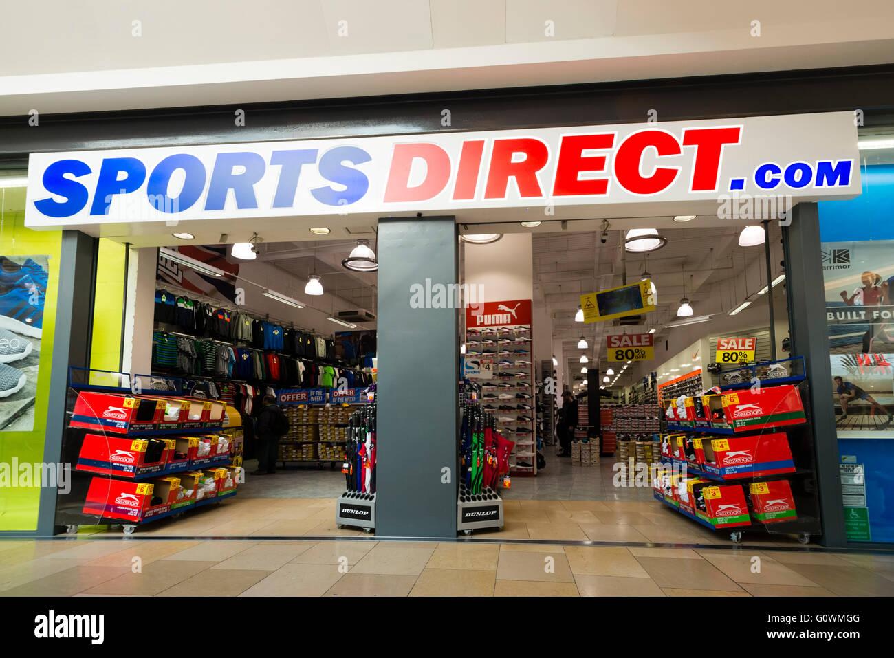 c9cbb3ffa1dd Sportsdirect Stock Photos   Sportsdirect Stock Images - Alamy