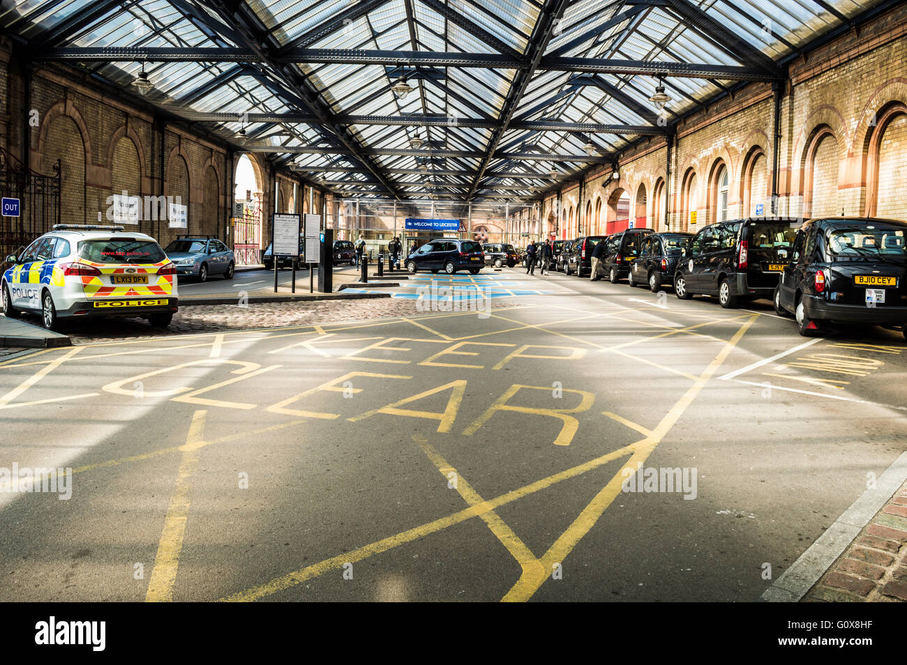 Leicester Station taxi rank - Stock Image