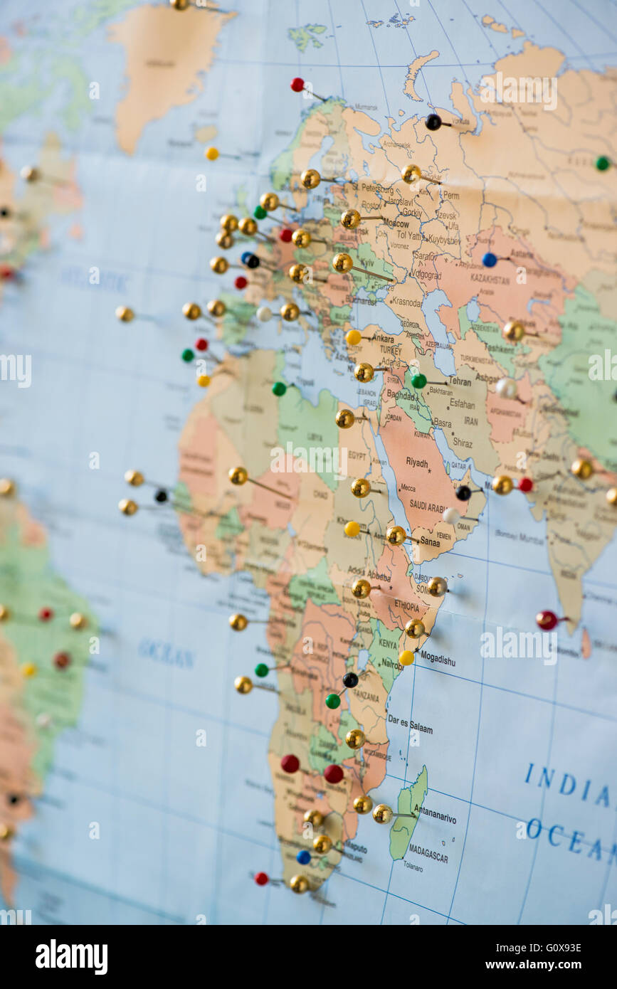 travelers map with pins to show places traveled