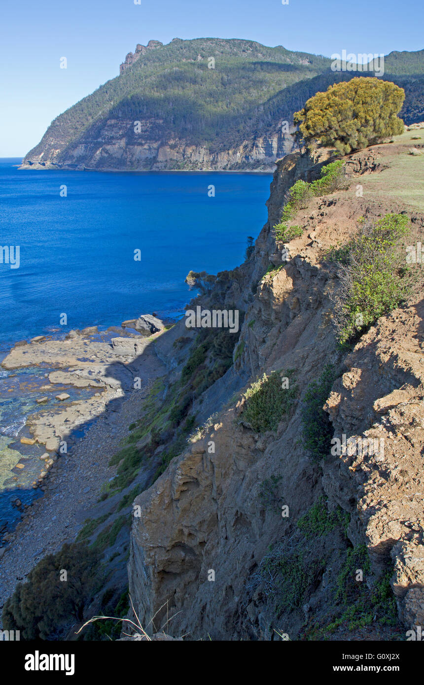 Fossil Cliffs and Bishop and Clerk peaks on Maria Island - Stock Image
