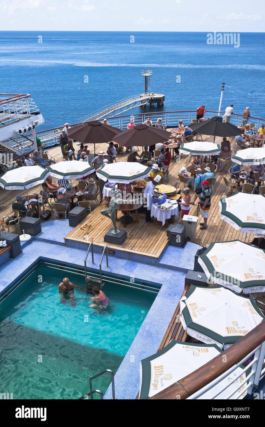 dh  CRUISING TRAVEL CMV Marco Polo cruise ship deck passengers swimming pool buffet - Stock Image