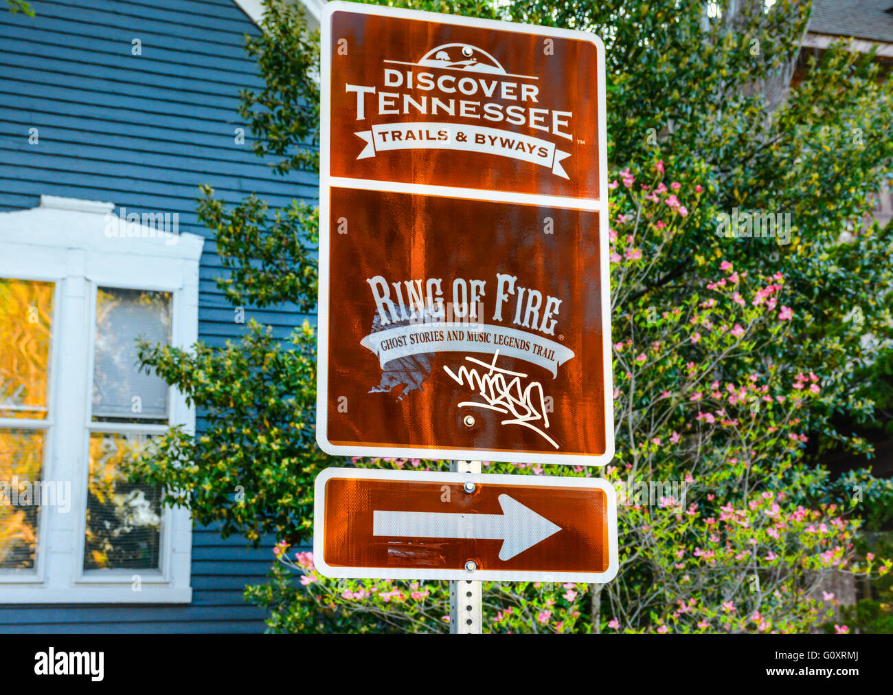 Discover Tennessee Trails & Byways Ring of Fire, sign blazes with Ghost and Legends road in Five Points in East - Stock Image