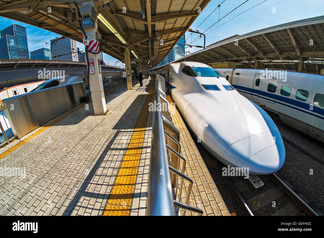 N700 class bullet train in Tokyo station - Stock Image